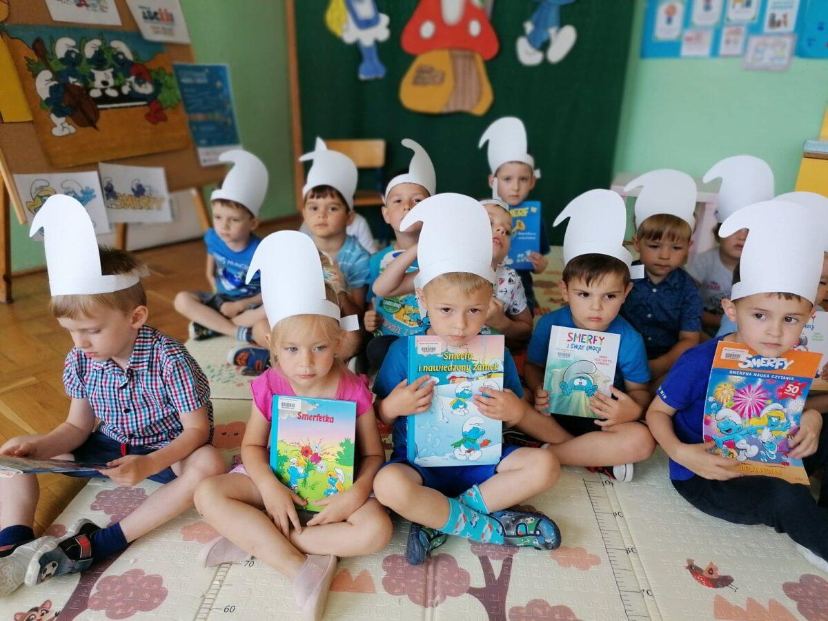 Smerfastyczne opowieści w ramach akcji Cała Polska czyta dzieciom