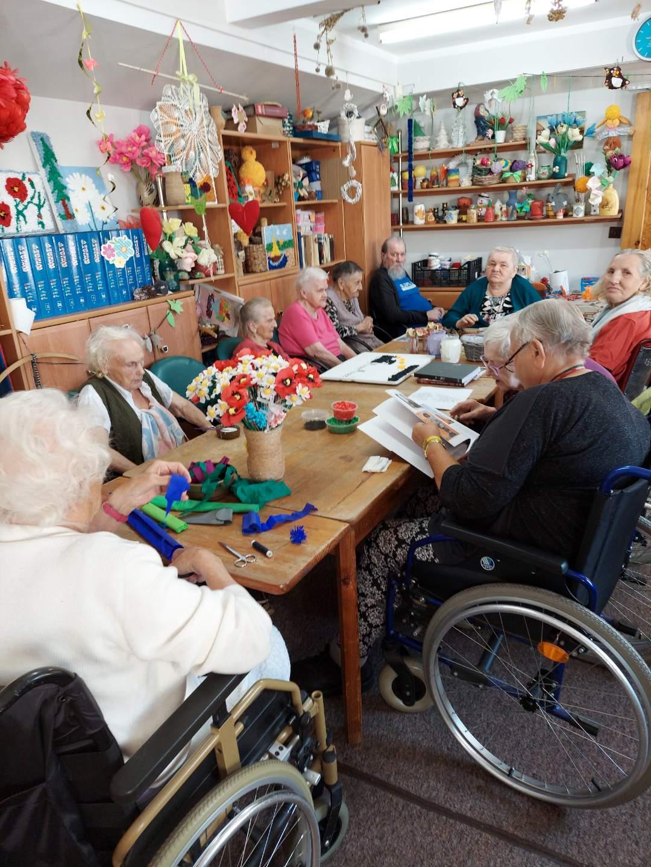 """""""Biblioteka Otwarta Na Każdego"""" nasze pierwsze warsztaty dla pensjonariuszy domów seniora"""